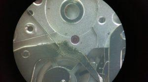 切替車の金属片