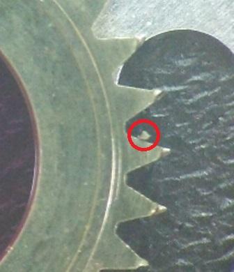 ロレックスデイトジャストCal.2135磨耗したカレンダーディスクの破片